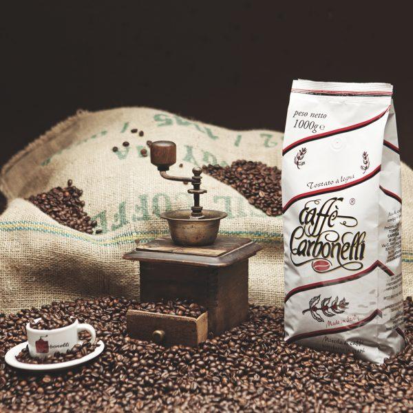 Pacco di caffè Carbonelli bianco